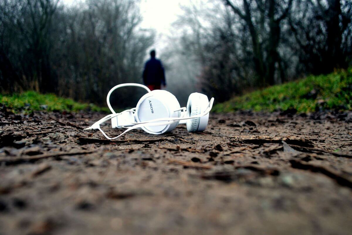 White Sony headphones dropped in mud and lost/forgotten..